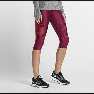 NIKE Power Speed Compression Capris Leggings